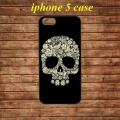 Skull Head Flowers Black Череп из цветов Черный для IPhone 5/5s