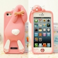 чехол Moschino Violetta Rabbit светло розовый для iPhone 5/5s