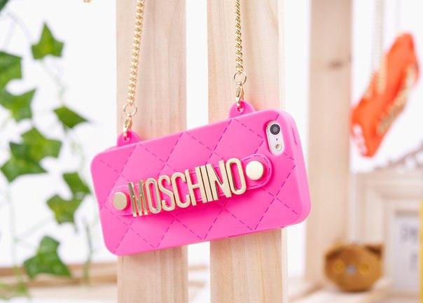 Силиконовый чехол Moschino Ярко розовый для IPhone 5